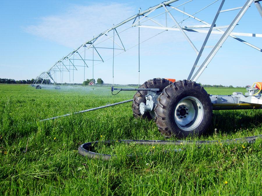 Linjärmaskin kan gå en sträcka på 600 meter utan att byta anslutningspunkt. Bredden på maskinen kan vara upp till 600 meter. Maskinen på bilderna har en bredd på 170 meter.